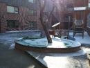 Schulhof im Winter